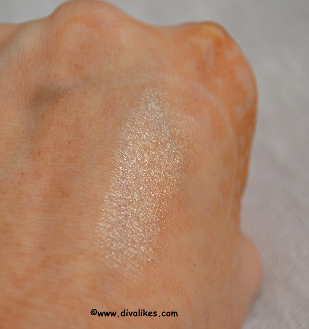 The Body Shop Cocoa Butter Lip Care Stick Swatch