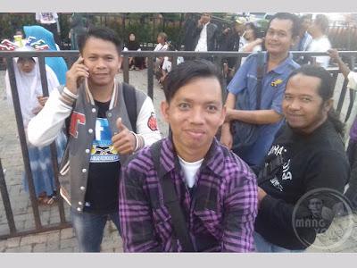 Ini foto saat mau masuk Studio 5 Indosiar, Jl. Daan Mogot, Jakarta Barat.