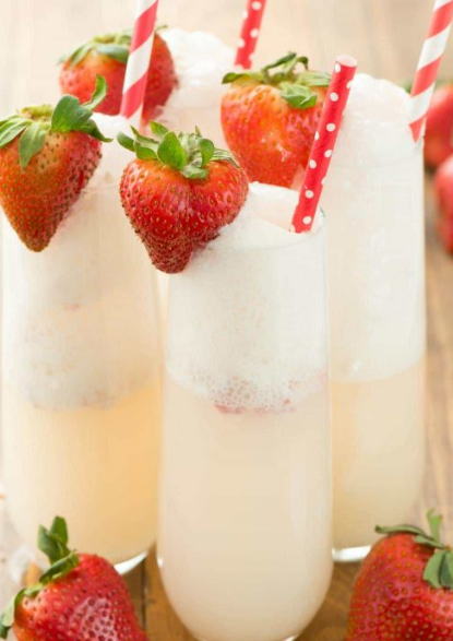 STRAWBERRY SHORTCAKE MIMOSA #strawberry #healthydrink