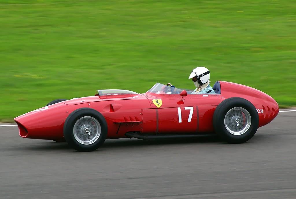 John+Nuttall - Vidrados no cavalinho - Enzo Ferrari, uma paixão toda italiana.