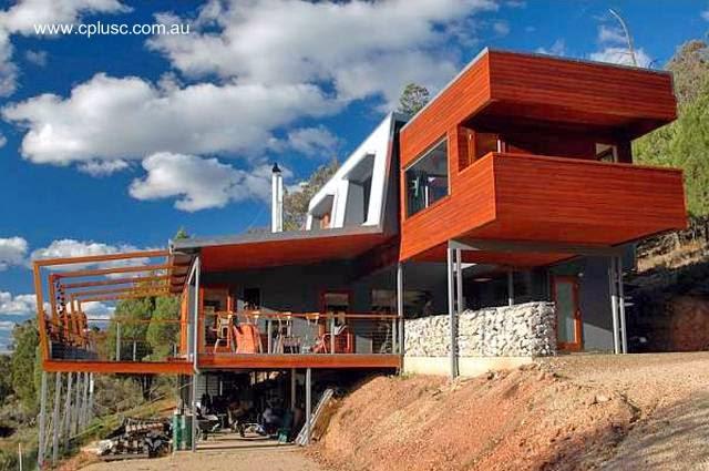 Casa contemporánea sobre pendiente en Australia