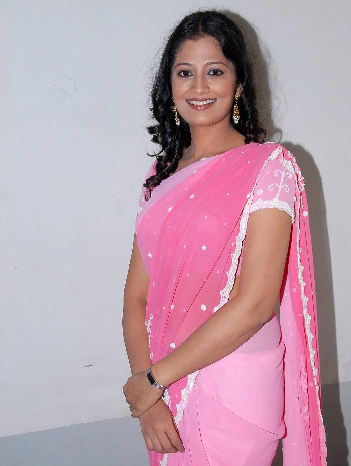 Hot And Spicy Actress Photos Gallery: Actress Aanaka High ...