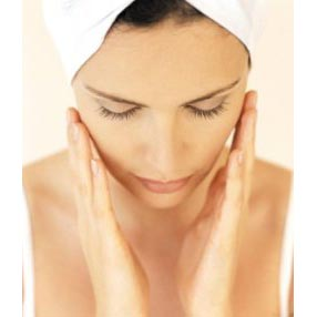 tips cara merawat wajah kulit kering