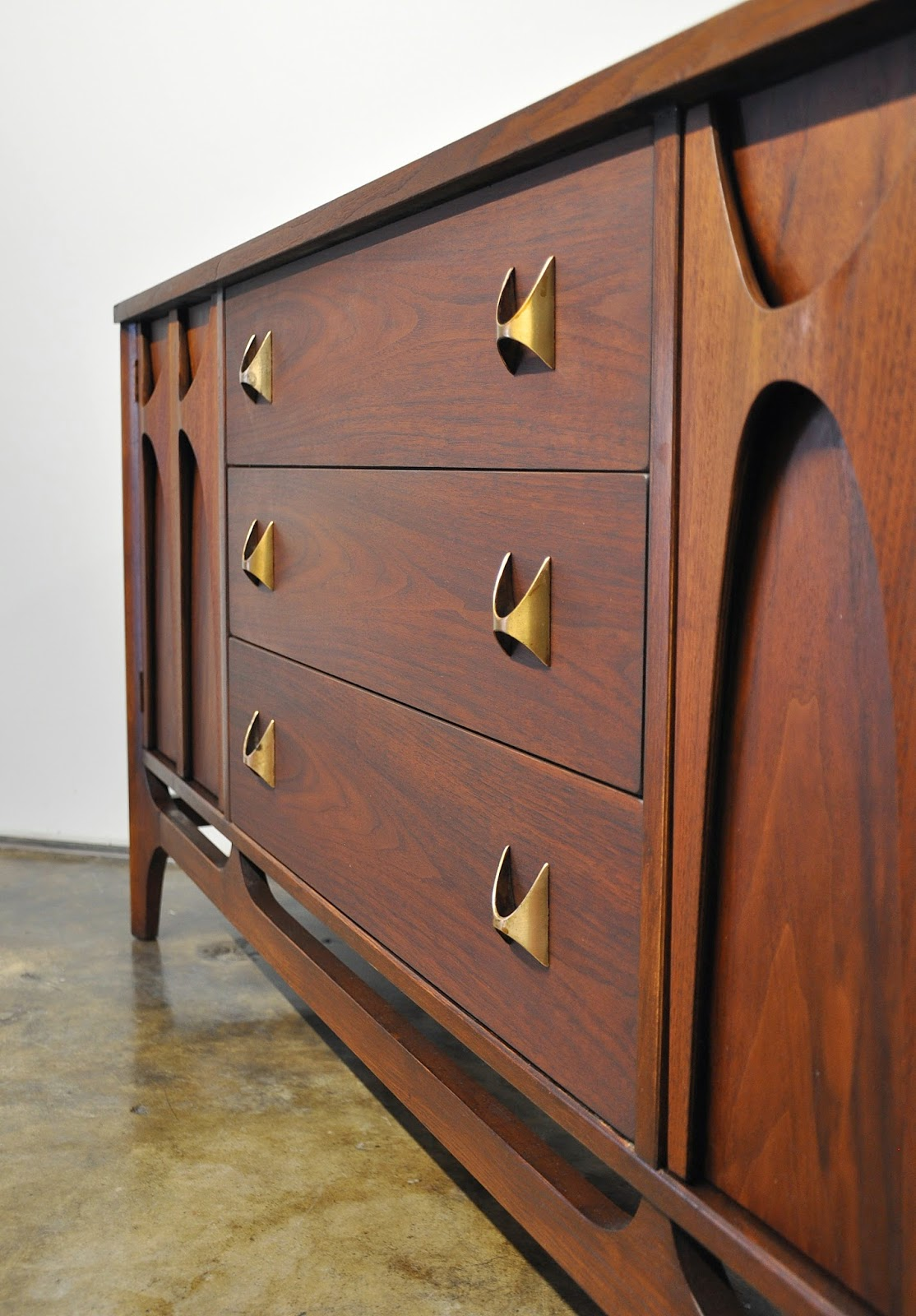 Buffet Cabinet With Drawers Select Modern: Broyhill Brasilia Credenza, Buffet, Sideboard, Bar Or Media Console