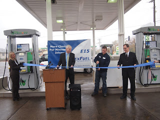 Ribbon cutting at Minnesota's first station offering 88 octane E15 gasoline