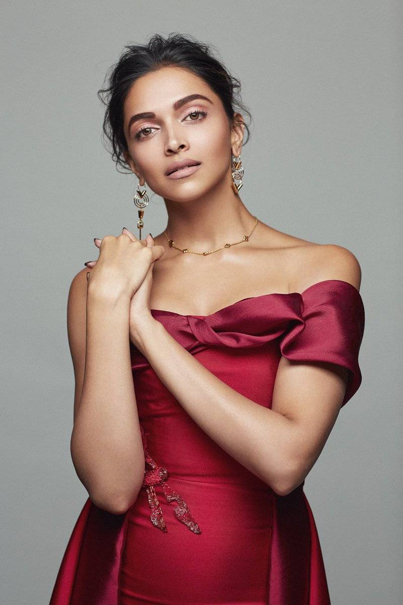 Deepika Padukone Photoshoot For December Elle Magazine