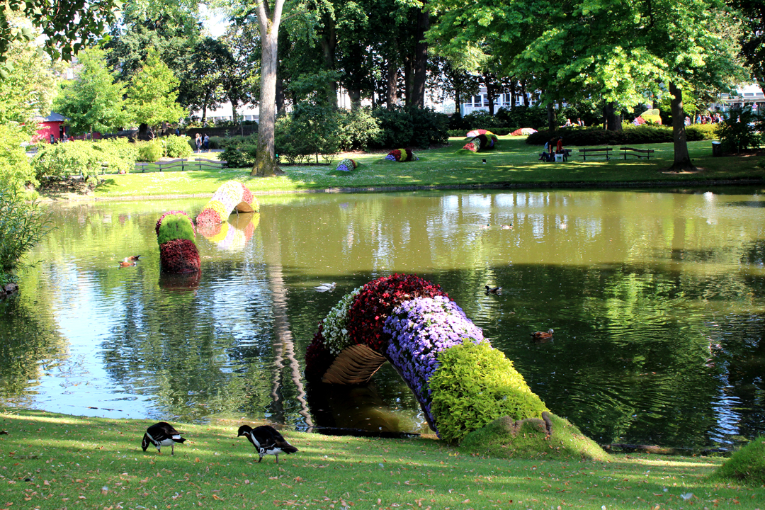 Nag on the lake claude ponti at the jardin des plantes for Jardin ds plantes