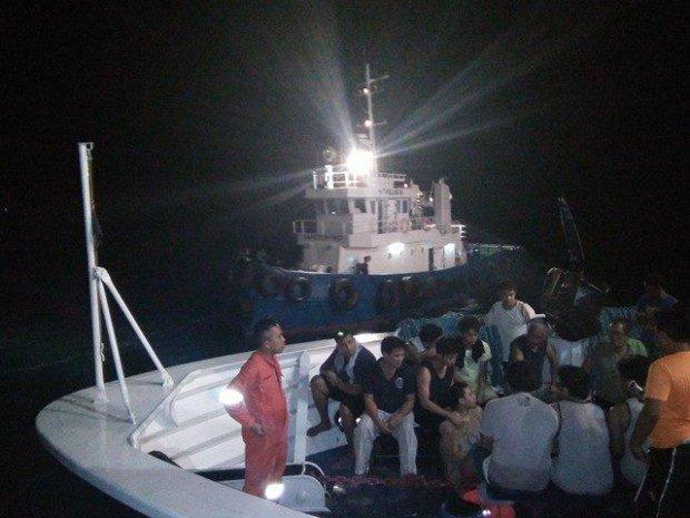 UPDATE: 1 Missing, 28 Rescued From Sunken Cargo Vessel In Bohol!