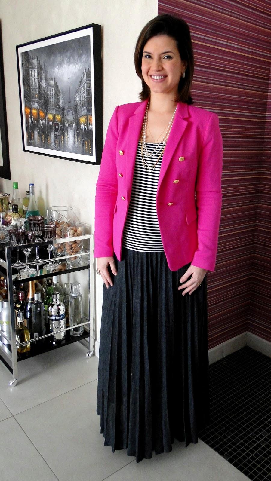 3301771d38 Ouse ser quem você é  LOOK DO DIA grávida  de blazer pink e saia ...