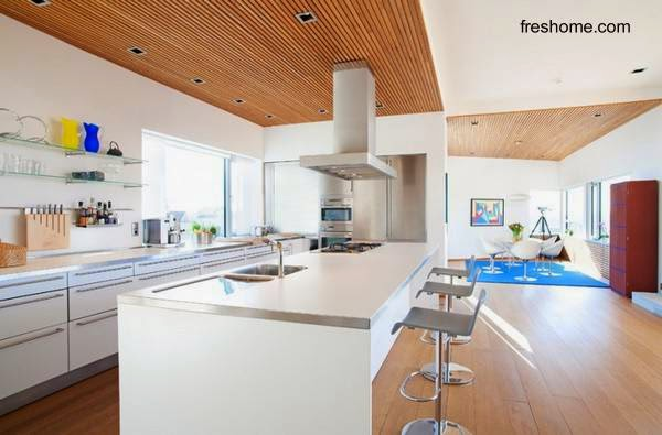Cocina de casa residencia contemporánea en Suecia