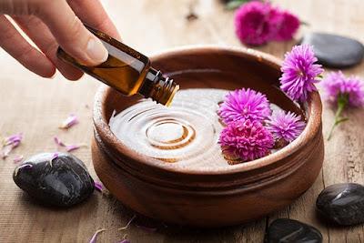 Recette brume d'eau 100% naturelle aux huiles essentielles