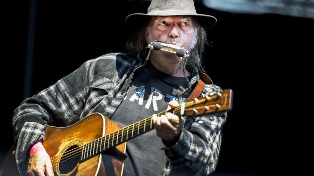 Neil Young News: INTERVIEW: For Neil Young, the Trump Era ...
