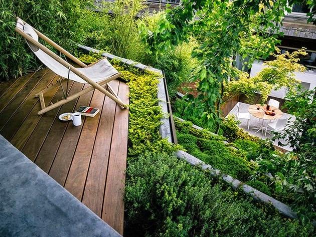 Mendesain Taman Multi Layer Modern