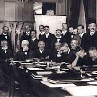 http://digitheque.ulb.ac.be/fr/digitheque-histoire-des-instituts-de-physique-et-de-chimie-solvay/index.html