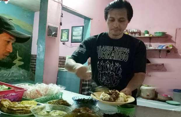 Ainul Marwan Aji: Memasak, Melatih Mixed Martial Art (MMA) hingga Mengarang Lagu
