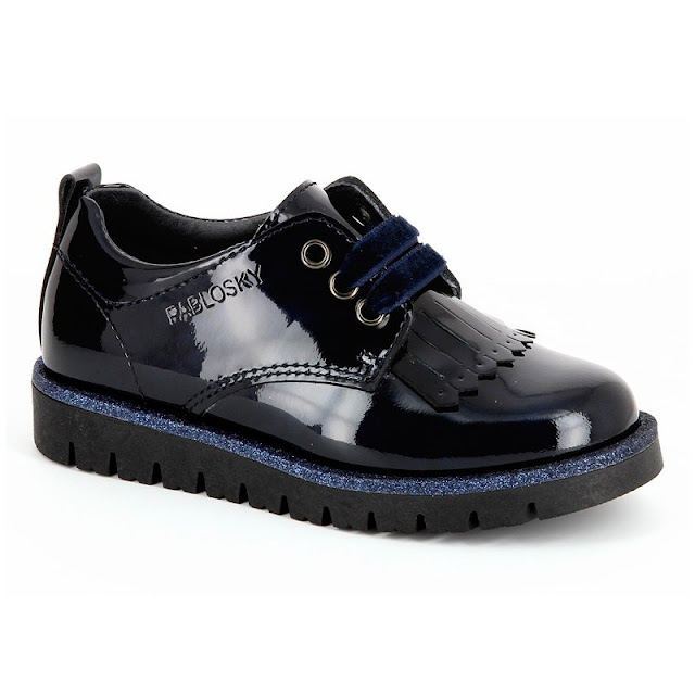 https://www.zapanines.es/zapatos-ninas/4163-blucher-charol-marino-pablosky.html