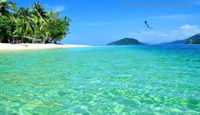 Pantai Pulau Mandeh