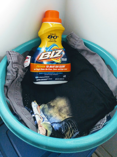 #ad fresh and stain free laundry is easy to have with Biz Stain Fighter