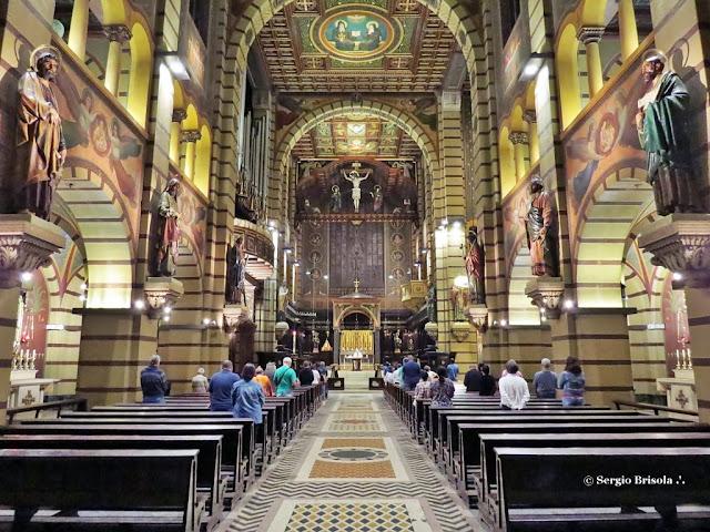 Vista ampla do interior da Basílica Abacial Nossa Senhora da Assunção - Mosteiro de São Bento - Centro - São Paulo