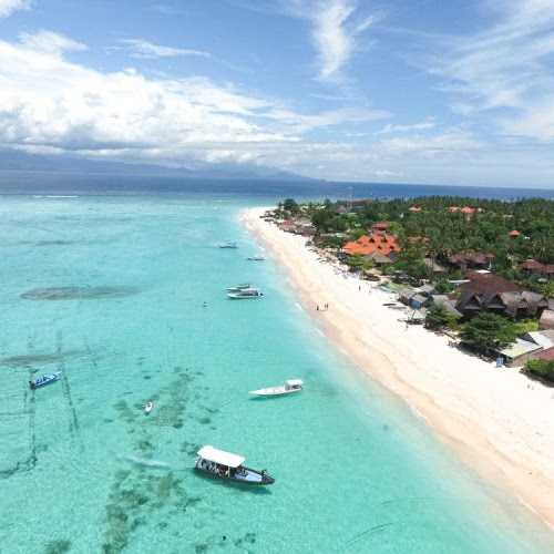Nusa Lembongan dan Ceningan, Pesona Lain Dari Bali Yang Nggak Boleh Terlewatkan