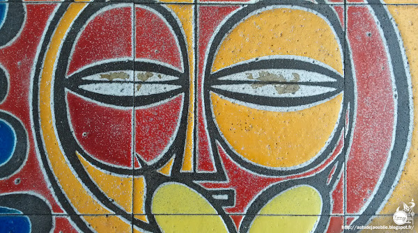Neuilly-Plaisance - Mosaïque céramique, hall d'immeuble  Artiste: Robert Charlier  Réalisation: 1968