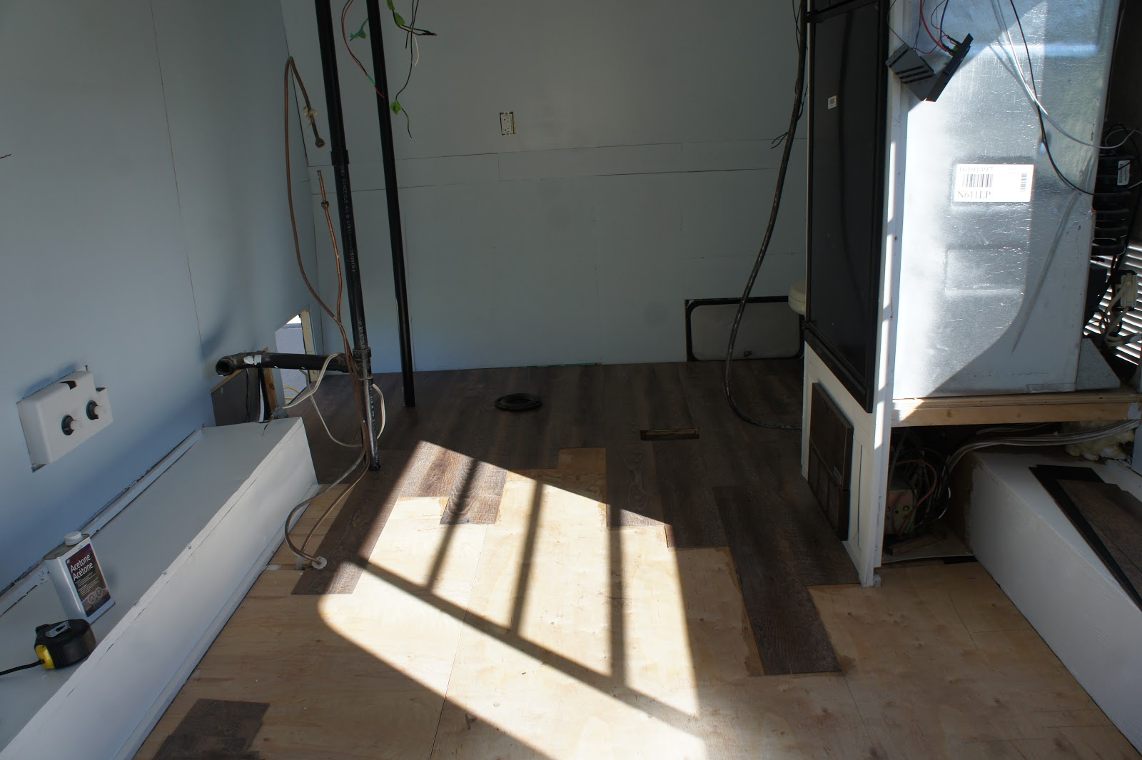 Alice Gets A Makeover Ep 10 Vinyl Plank Flooring In Rv