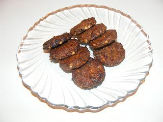 Biscuiti cu nuca si salvie retete culinare,