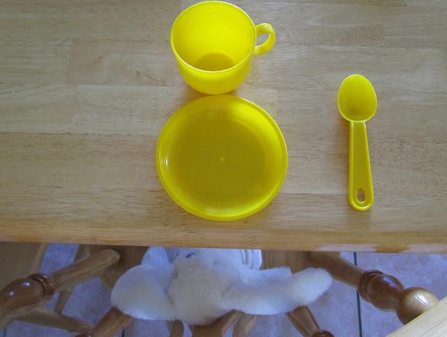 keltaiset astiat