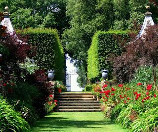 jardin entrada majestuosa