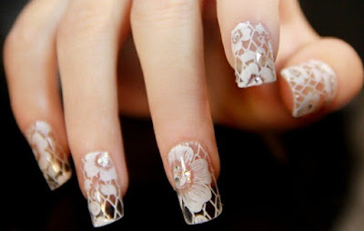 Nail-wedding-nails-long-transparent-in-flowers-white-crystals-and-lace