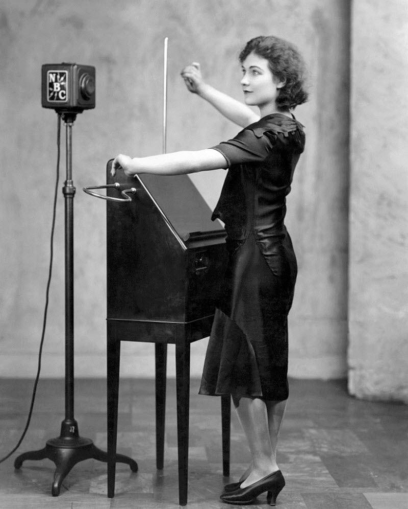 Alexandra Stepanoff playing the theremin