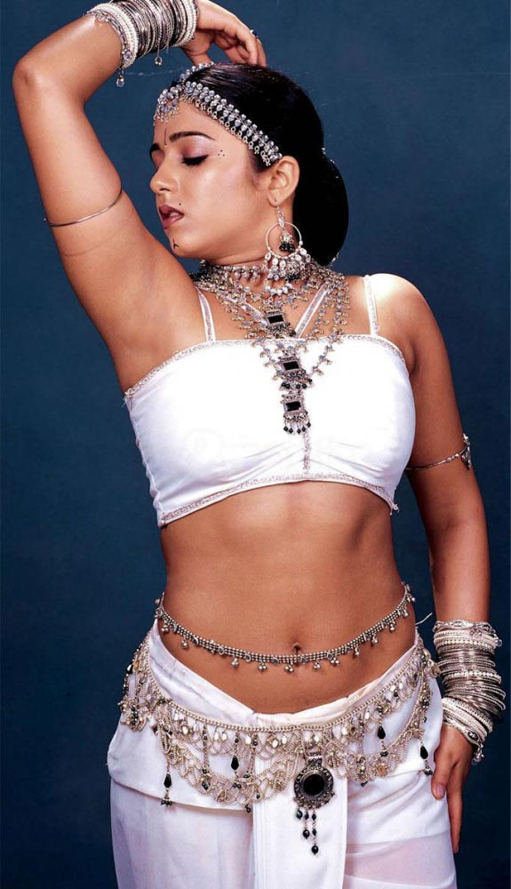 Tollywood Actress Latest Navel Show Stills Gallery