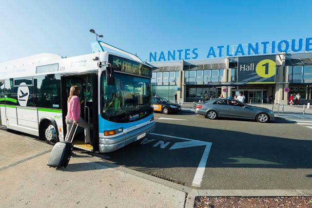 Ônibus do aeroporto de Nantes até o centro turístico