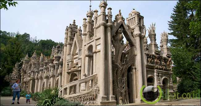 Ideal Palace of Ferdinand Cheval (Hauterives, Perancis)