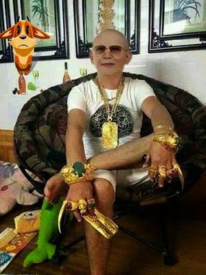 Человек в золоте