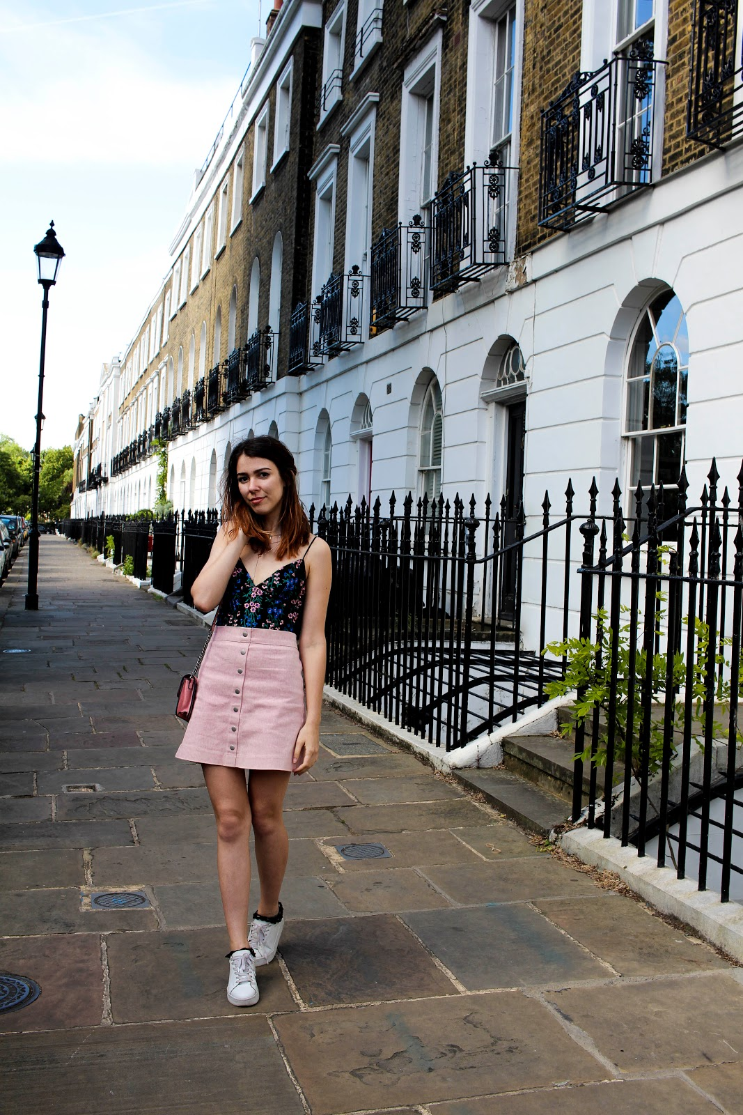 London, ootd, outfit, french blogger london, london blogger, topshop, embroidery, embroidered, mango, ring bag, newlook shoes, portobello road, floral body,
