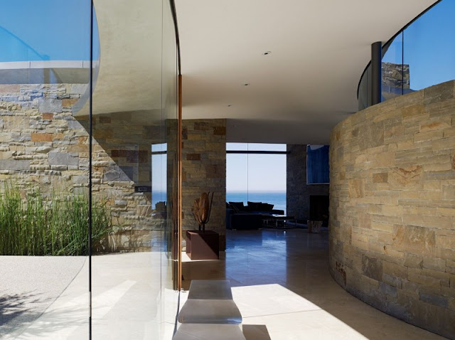 Picture of a hallway with exterior glass wall