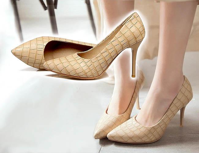 Pengguna high heels ini bisa tampil beda tapl tidak norak