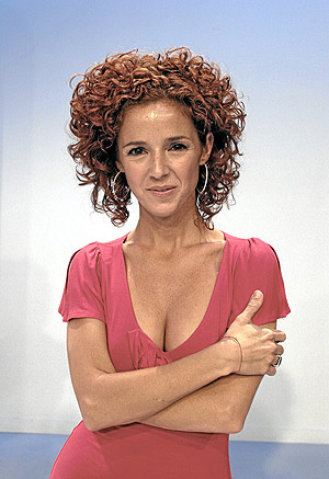 Marta Belenguer Topless Hoy 30 12 2011 En La2