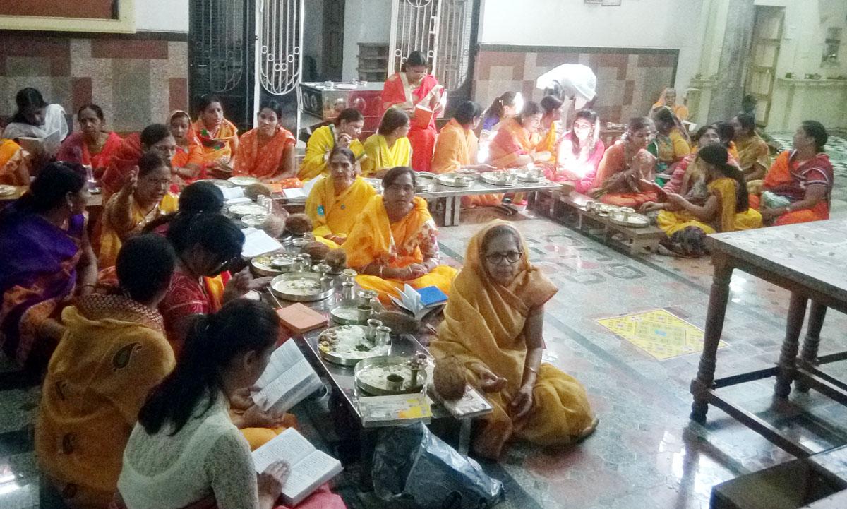 Digambar-Jain-Samaj-celebrated-the-birth-of-the-first-Tirthankara-Adinath-दिगंबर जैन समाज ने मनाया प्रथम तीर्थकर आदिनाथ का जन्म एवं तप कल्याणक पर्व, निकाली गई कलशयात्रा