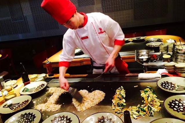 Cozinha do restaurante japonês Benihana em Orlando