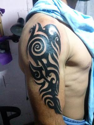 Tatuaje tribal para hombre