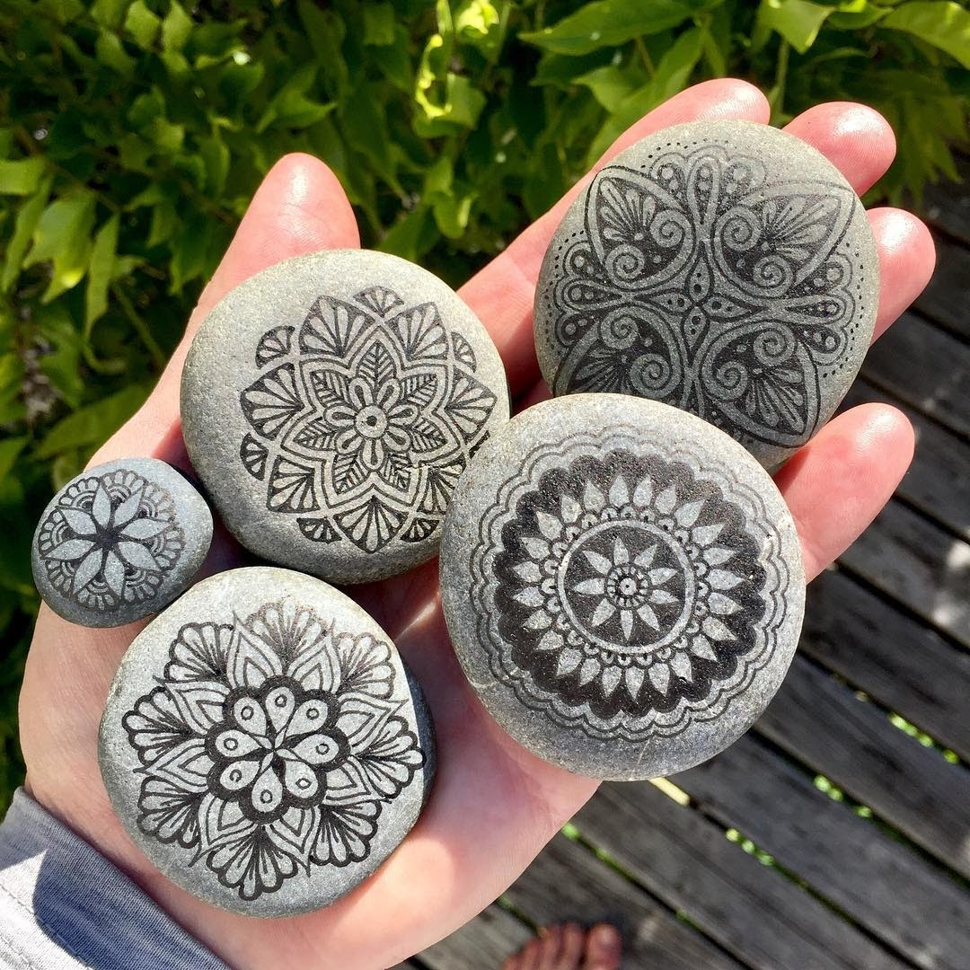 08-Mike-Pethig-Precise-Hand-Drawn-Stone-Mandala-Drawings-www-designstack-co