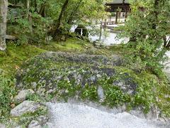 上賀茂神社・岩上