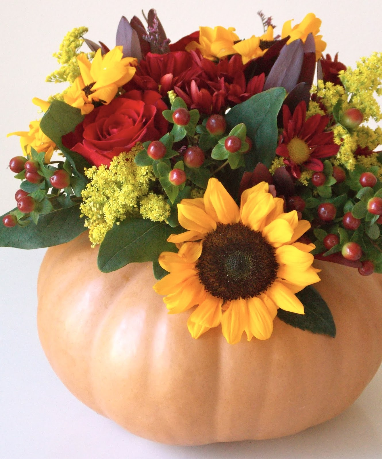 Flowers In A Pumpkin: FALL FLOWER ARRANGEMENT