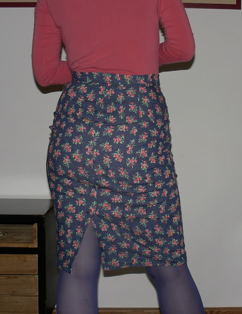 kokerrok, pencilskirt, denim, roosjes, naaien, diy