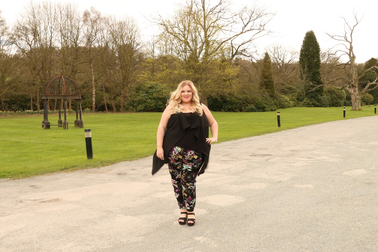River Island Plus Size Floral Printed Joggers Blogger WhatLauraLoves