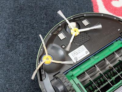 iRobot純正のエッジクリーニングブラシに戻す。