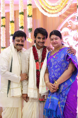 Saikumar  with son and wife