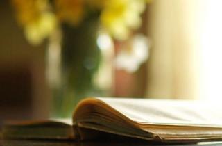 Pengertian dan Contoh Puisi Balada dalam Bahasa Indonesia